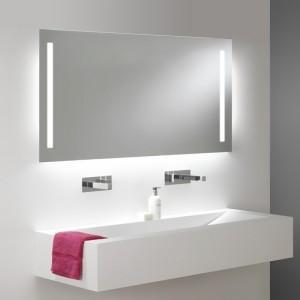 Miroir salle de bain VISIO 50x75 cm avec rétroéclairage LED et prises électriques