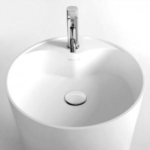 """Bonde """"pop-up"""" permettant d'ouvrir et fermer la vasque par une simple pression du doigt"""